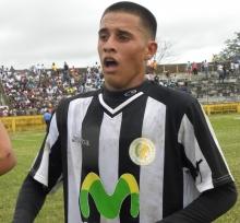 Eulises Pavón después de debutar ante Xilotepelt en 2010. FOTO: NOTIFUTGOL